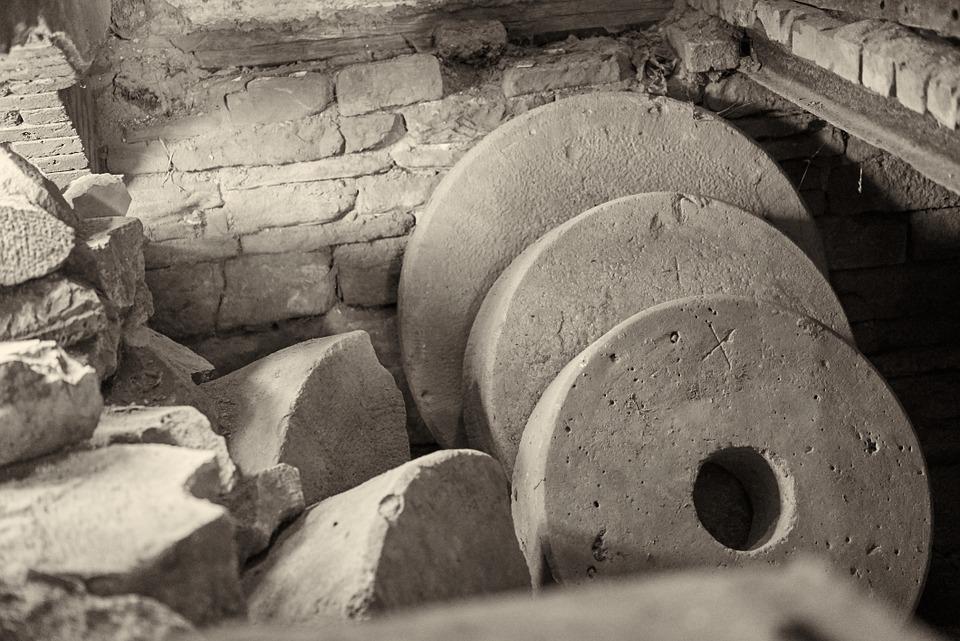 millstones-798694_960_720