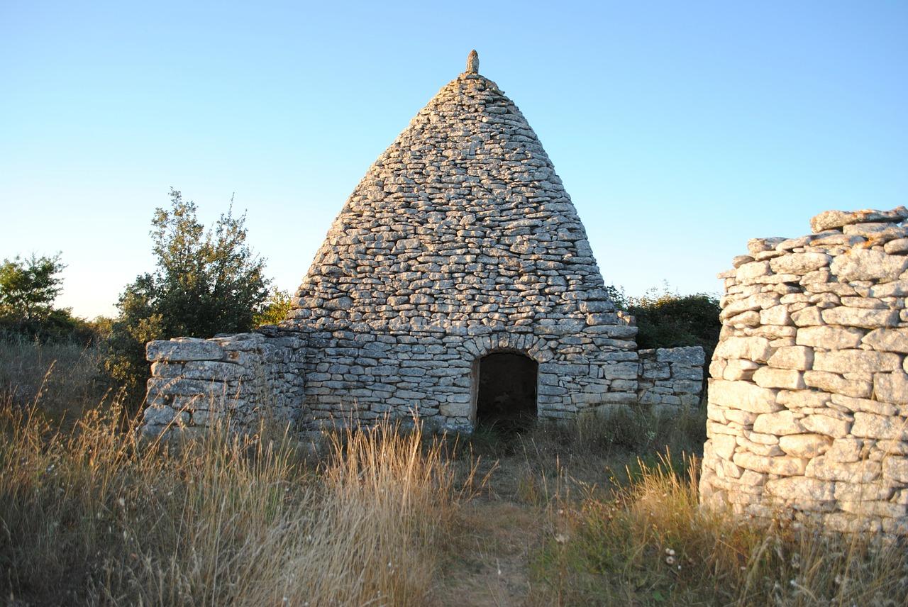 stone-house-354503_1280